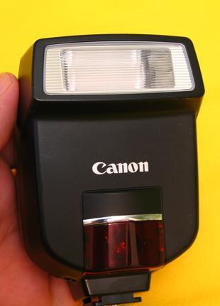 Фотовспышка CANON Speedlite 220 EX. Вспышка для фотоаппарата.