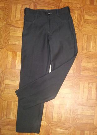 Черные классические брюки для мальчика 8-9 лет