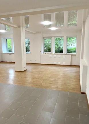 Продам отличное помещение свободного назначения в Центре Харьков