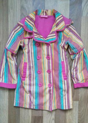 Фирменный плащик waikiki на подкладке для девочки 5-7лет