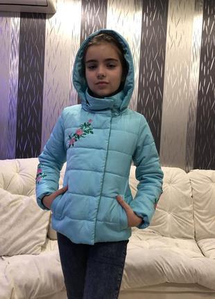 Стильная куртка на девочек