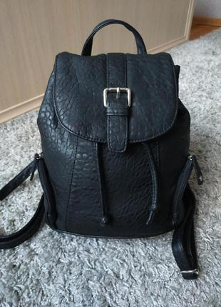 Красивый городской рюкзак  pieces