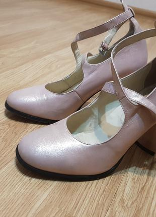 Туфли женские кожаные пудра 39 размер