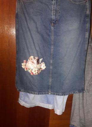 Джинсовая юбка за колено с накаткой