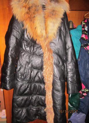 Кожаный зимний пуховик с лисой