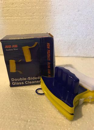 Двусторонний магнитный скребок щетка Double Side Glass Cleaner дл