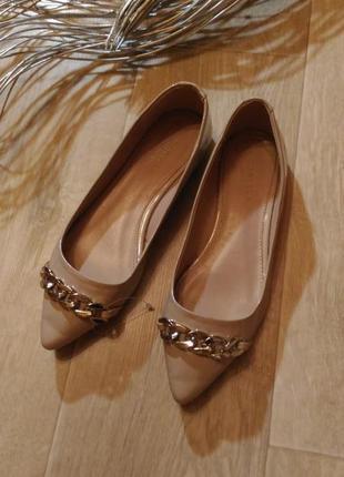 Бежевые пудровые туфли лодочки kurt geiger острый носок, разме...
