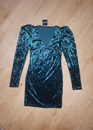 Платье бархатное forever 21 m