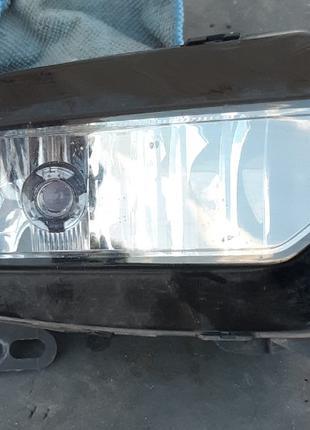 Audi A3 противотуманная фара 8V0941700B