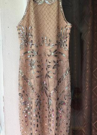 Роскошное платье в пайетки по фигуре бежевое вечернее вышитое ...