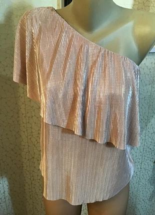 Шикарная блуза на одно плечо новая без бумажной бирки