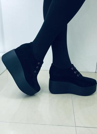 36.37.38.39.40. черные замшевые туфли. кожаные туфли на танкетке