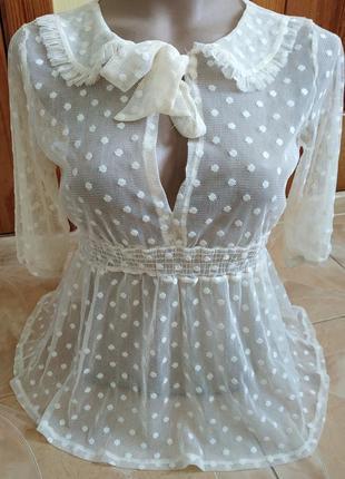 Нежная прозрачная кружевная блузка