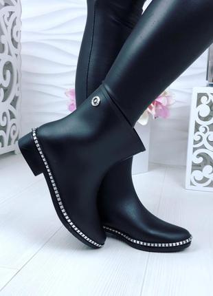Ботинки резиновые