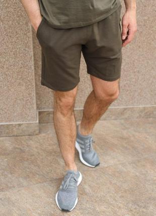 Базовые мужские шорты цвета хаки