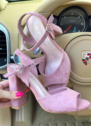 Удобные розовые босоножки на каблуке 🔥