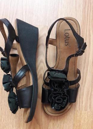 23,5см сандали кожаные босоножки на платформе lotus 11163