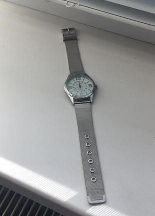 Часы наручные женские металлические серебро