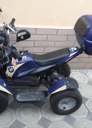 Квадроцикл детский, свежий аккумулятор.