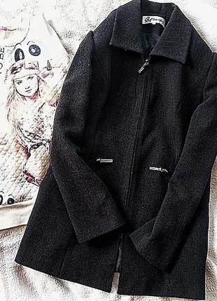 Плотный пиджак с замочками