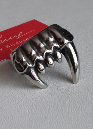 Кольцо клыки