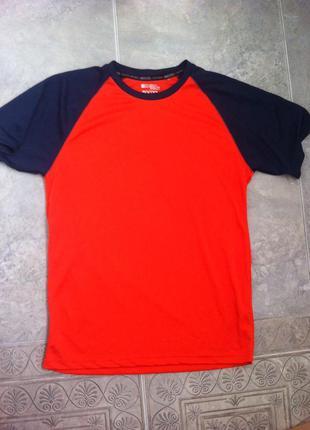 Продам мужскую футболку mountain warehouse performance isocool