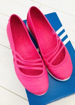 Adidas спортивные сандалии балетки пляжная обувь пенка