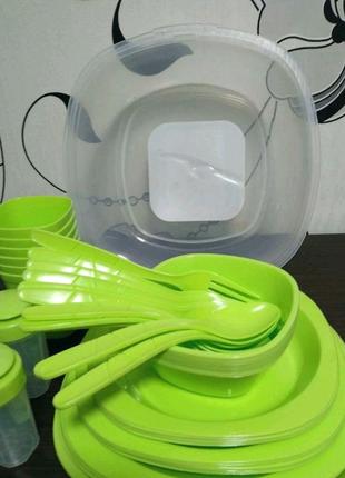 Набор посуды для пикника. 48 предметов.