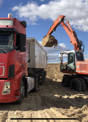 Щебінь, пісок, відсів, цемент.