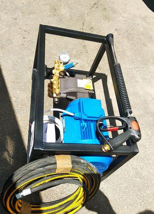 Аппарат высокого давления 200 бар 15 л/м , АВД для мойки авто.