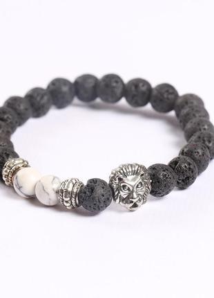 Красивый браслет со львом из натурального камня