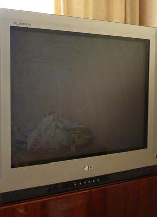 телевизор  LG Flatron.
