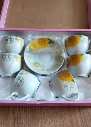 Чайный сервиз, набор чашек и блюдец