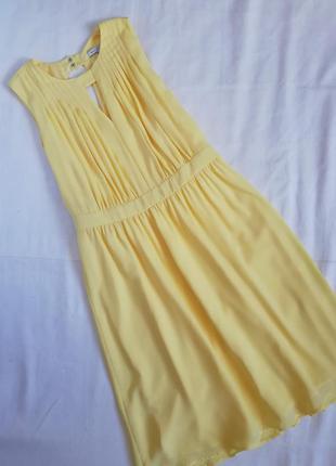 Нежное желтое платье миди mint&berry летнее