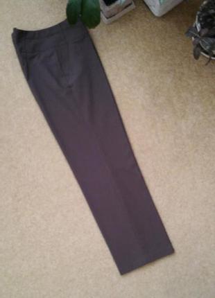 Классические французские брюки трендового цвета тауп