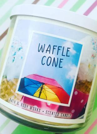Waffle cone аромасвеча от bath and body works