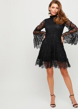 Платье кружевное бежевое гипюр нарядное рукав клеш
