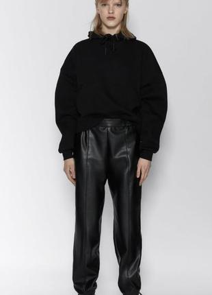 Базовое чёрное худи свитшот zara