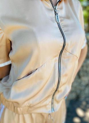Костюм шорты и бомбер с лампасам из шёлка армани разные размер...