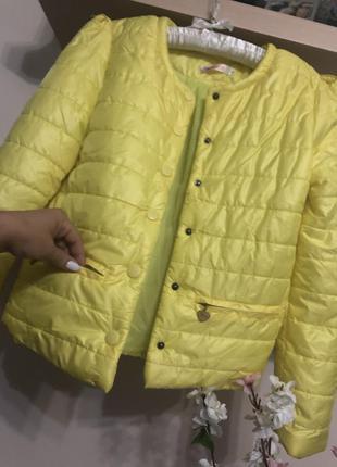 Очень классная легкая короткая куртка, легкий пуховик,