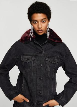 Джинсовая куртка с меховым воротником mango