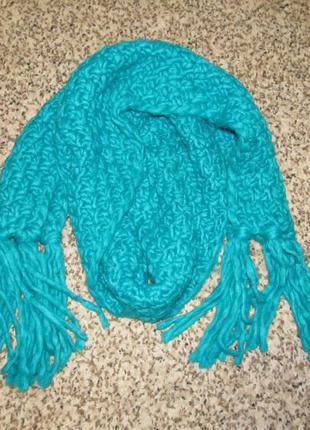 Объемный теплый яркий вязаный шарф