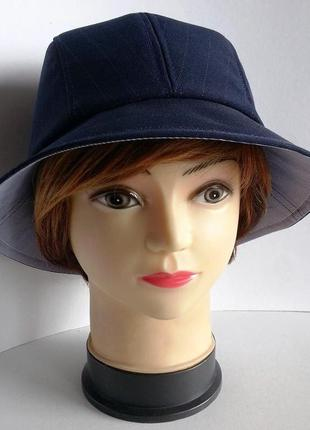 Женская шляпка. полоска темно - синяя.