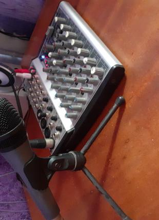 Продам микшерный пульт и микрофон