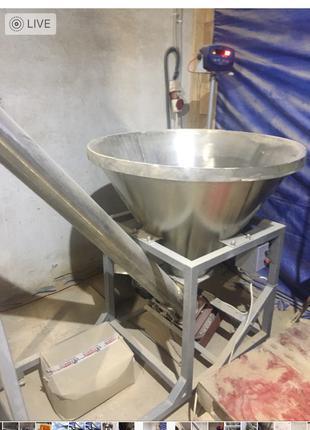 Шнековый загрузчик с бункером 500 кг/час