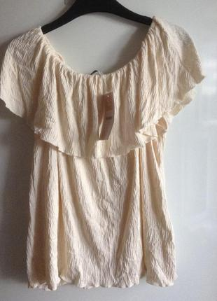 Топ блузка с рюшем воланом открытыми плечами pull&bear