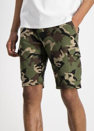 Мужские шорты милитари