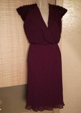 Шифоновое платье гофре плиссе гармошкой с вырезом плечи рюшами...