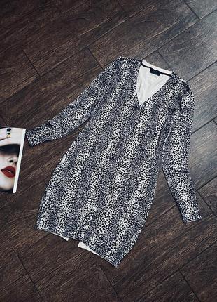 Красивое трикотажное платье в леопардовый принт