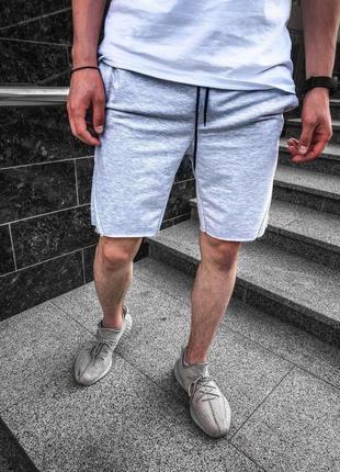 Стильные лёгкие шорты мужские